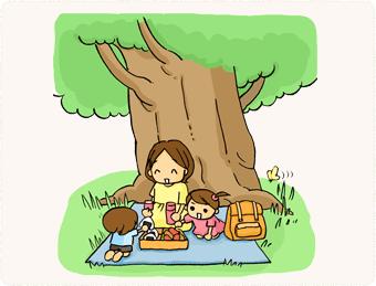 アスレチックで遊んだら木陰でお弁当